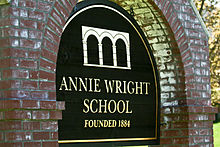 Trường PTTH Annie Wright Schools