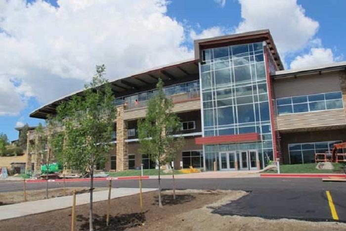 Học bổng trị giá 16,000 Đô la Mỹ đến từ trường Trung học Nội trú Steamboat Mountain- Bang Colorado, Mỹ