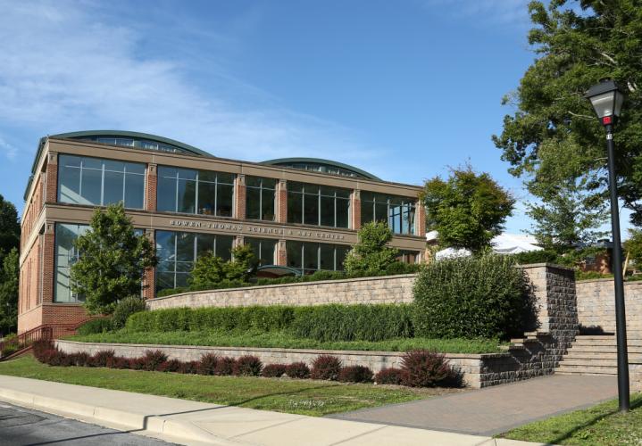 Học bổng hấp dẫn trị giá $14,050 đến từ trường The Calverton School- Maryland
