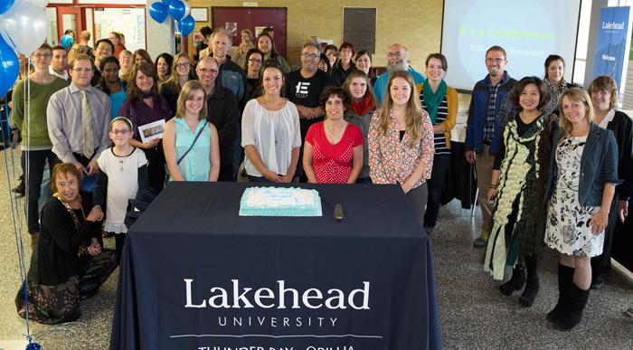 Trường LAKEHEAD UNIVERSITY, một trường đại học trẻ trung tại Ontario, Canada.