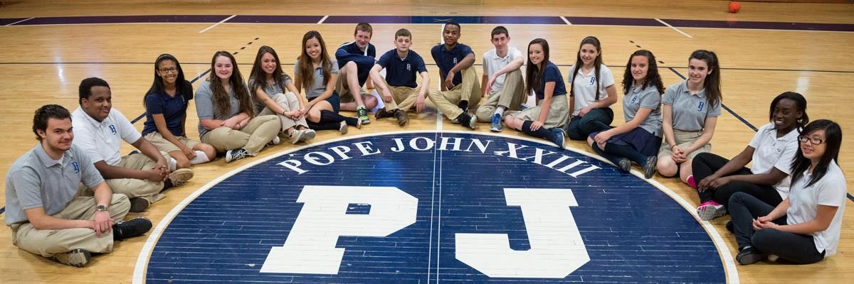 Học bổng trị giá $9.000 USD từ Trường Trung học Pope John XXIII – Everett , Massachusetts
