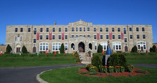 Học bổng lên tới 18.000$ cùng trường trung học Macduffie