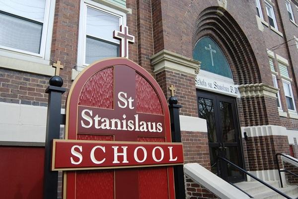 Trường nam sinh St. Stanislaus - học bổng liền tay tới 14.000$